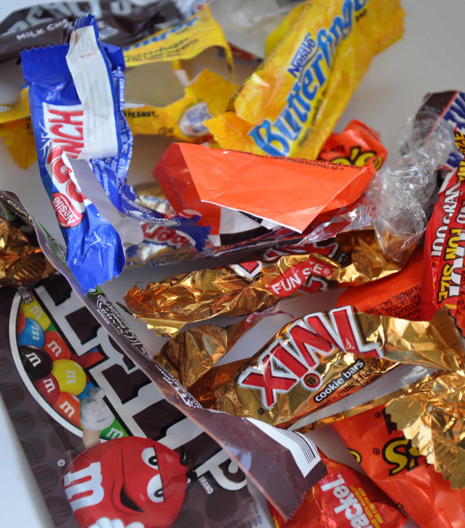 The Dog Ate My Candy! | Woodland Veterinary Hospital | Vet Clinic ...
